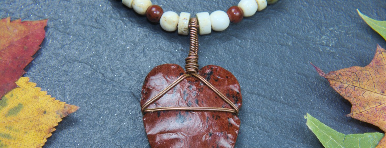 Pendant with obsidian arrowhead PA1817